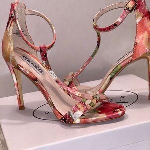 Floral Steve Madden Sandal w: jewels